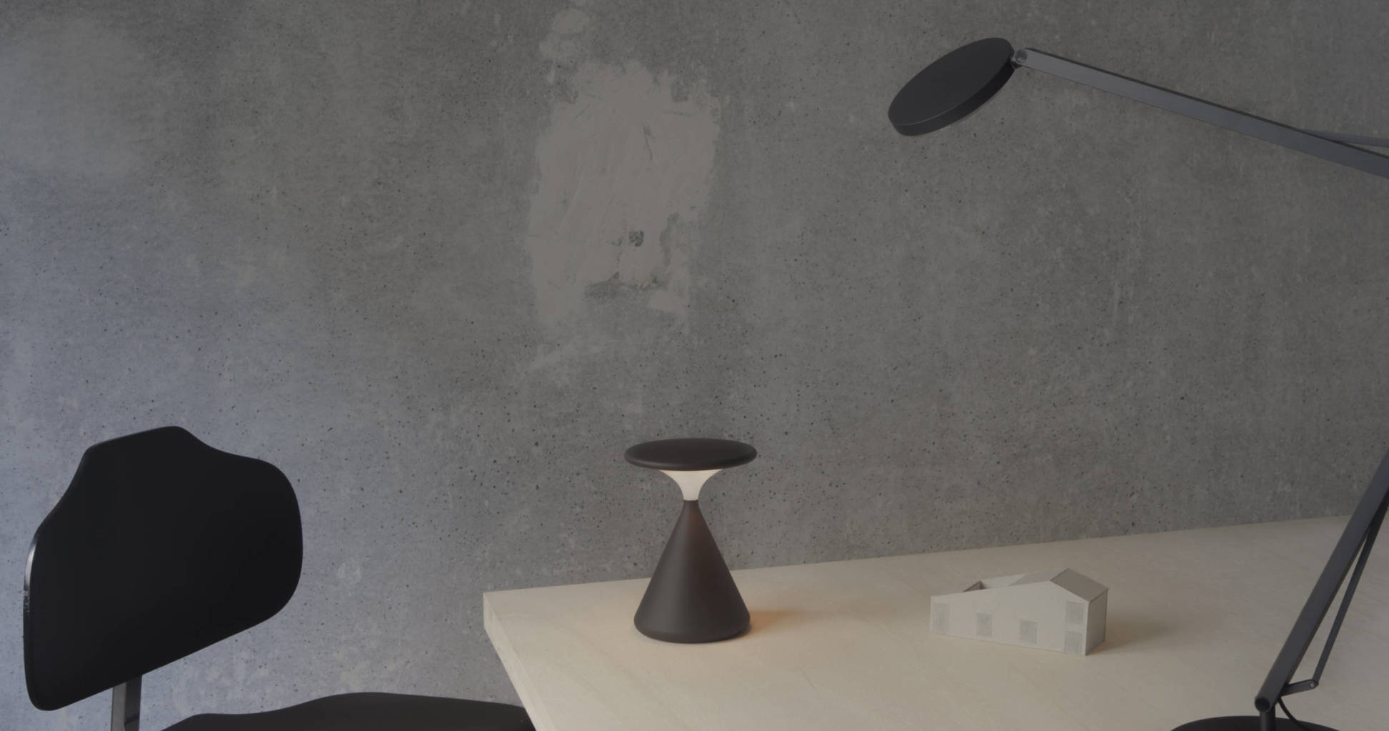 tobiasgrau-saltpepper-dark-architect-table-1945x1023@1